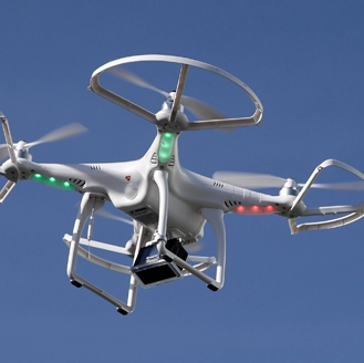 TITANIUM PLUS MAGAZINE-DRONES DE USO DOMESTICO CON CAMARA DE VIDEO
